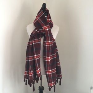 Abercrombie & Fitch • Plaid Tassel Blanket Scarf